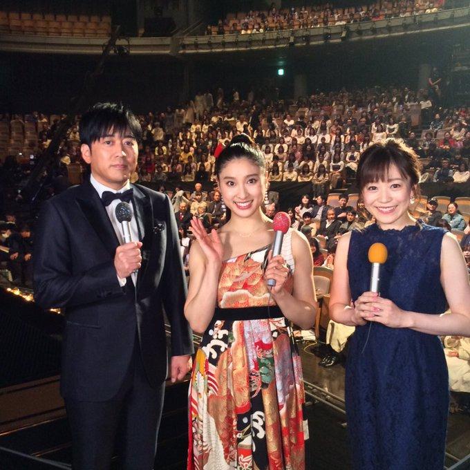 令和元年レコード大賞土屋太 鳳のドレスのブランドは?衣装は